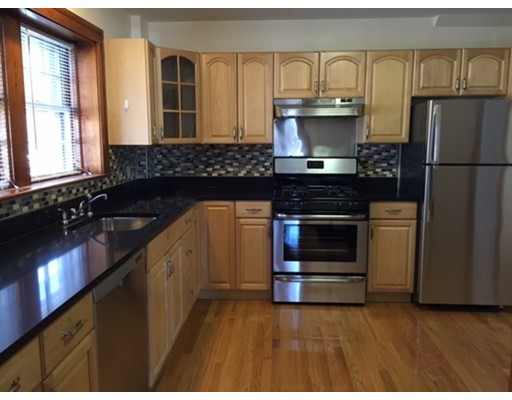 Casa Unifamiliar por un Alquiler en 92 River Street Newton, Massachusetts 02465 Estados Unidos