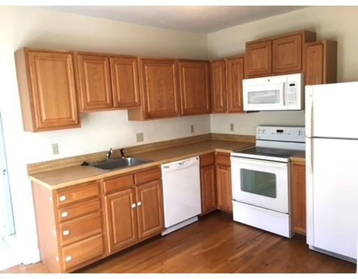 独户住宅 为 出租 在 185 ROBBINS Street 沃尔瑟姆, 马萨诸塞州 02453 美国