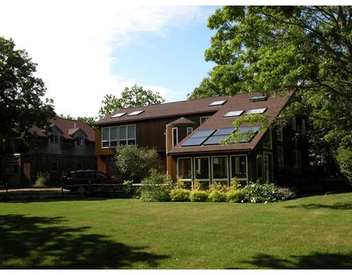 Частный односемейный дом для того Продажа на 11 Checama Path Oak Bluffs, Массачусетс 02557 Соединенные Штаты