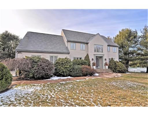 Maison unifamiliale pour l Vente à 12 Whitridge Road Natick, Massachusetts 01760 États-Unis