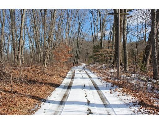 土地 为 销售 在 430 Wethersfield Street Rowley, 马萨诸塞州 01969 美国
