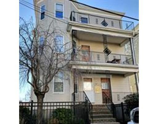 独户住宅 为 出租 在 39 Lambert Street 梅福德, 马萨诸塞州 02155 美国