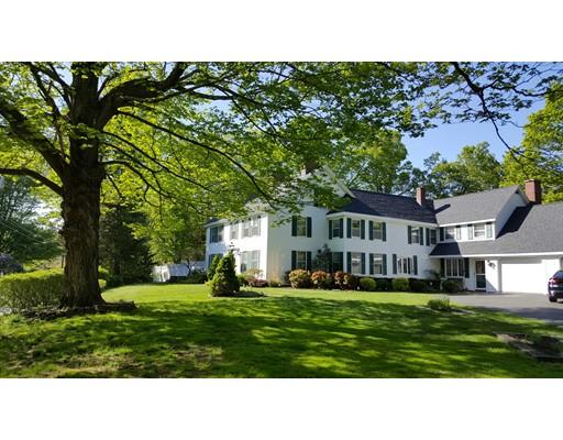 Maison unifamiliale pour l Vente à 98 Sweet Hill Road Plaistow, New Hampshire 03865 États-Unis