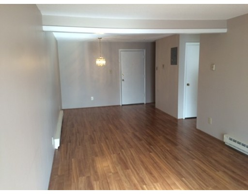 Additional photo for property listing at 3 Karena Drive  Taunton, Massachusetts 02780 United States