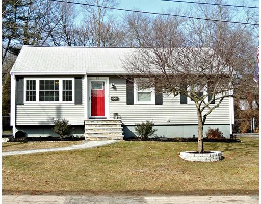 Maison unifamiliale pour l Vente à 15 Noyes Avon, Massachusetts 02322 États-Unis
