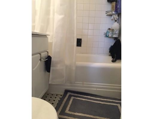 Casa Unifamiliar por un Alquiler en 583 Beacon Street Boston, Massachusetts 02115 Estados Unidos