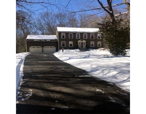 Single Family Home for Sale at 4 Oakridge Drive Franklin, Massachusetts 02038 United States