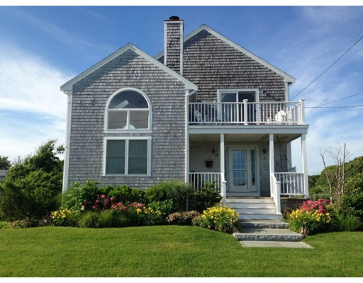 90 Hawes Ave, Barnstable, MA 02601