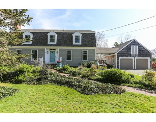Single Family Home for Sale at 27 Pawkechatt Way Marion, Massachusetts 02738 United States