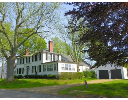 Casa Unifamiliar por un Venta en 7 HILLDALE South Hampton, Nueva Hampshire 03827 Estados Unidos