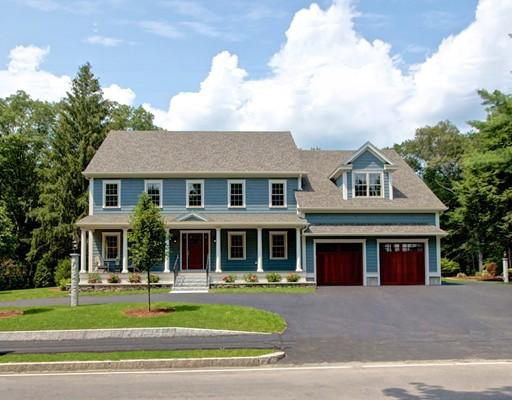 Maison unifamiliale pour l Vente à 102 Springs Road Bedford, Massachusetts 01730 États-Unis