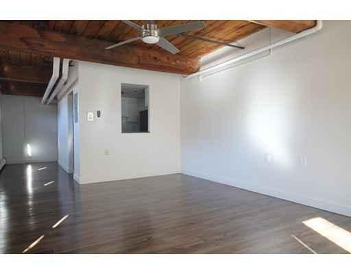 Additional photo for property listing at 15 Taylor  Springfield, 马萨诸塞州 01103 美国