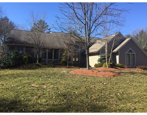 Single Family Home for Sale at 85 Peabody street Middleton, Massachusetts 01949 United States