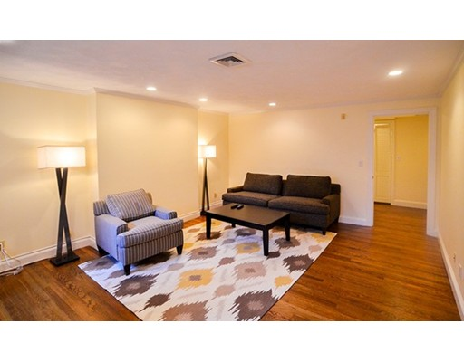 Additional photo for property listing at 328 Dartmouth  Boston, Massachusetts 02116 United States