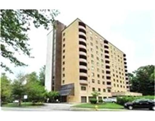 独户住宅 为 出租 在 2500 Mystic Valley Pkwy 梅福德, 马萨诸塞州 02155 美国