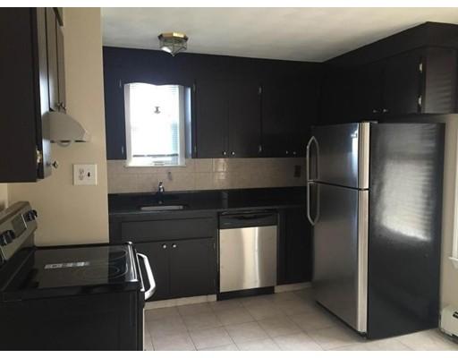 Casa Unifamiliar por un Alquiler en 27 Falcon Street Boston, Massachusetts 02128 Estados Unidos