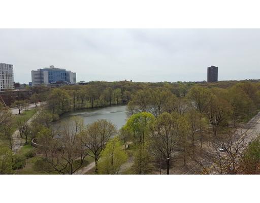 Additional photo for property listing at 33 Pond Avenue  Brookline, Massachusetts 02445 Estados Unidos
