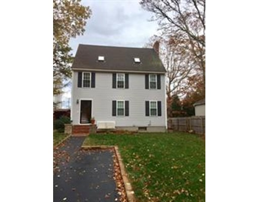 35 Hillside Dr., Plymouth, MA 02360