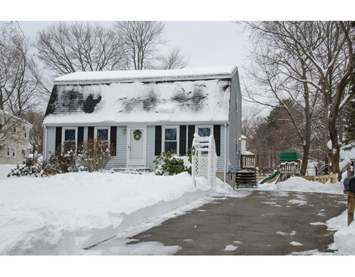 Picture 4 of 3 Birch St  Amesbury Ma 3 Bedroom Single Family