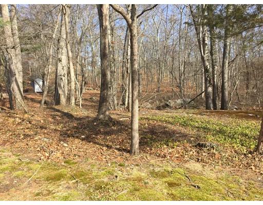 土地 为 销售 在 Nathaniel Paine Road Nathaniel Paine Road Attleboro, 马萨诸塞州 02703 美国