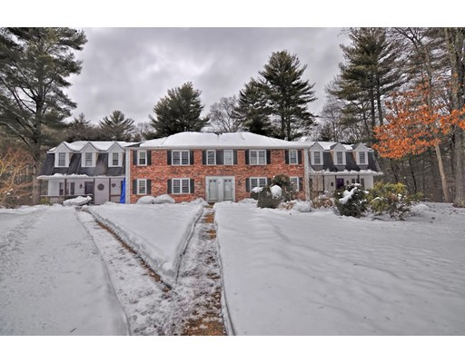 19 Old Meetinghouse Green 19, Norton, MA 02766