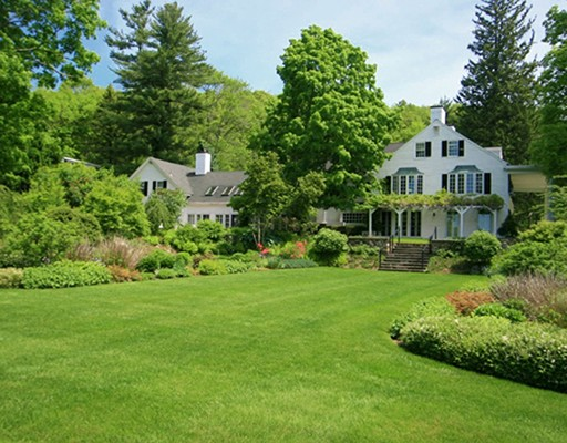 Single Family Home for Sale at 1046 Great Pond Road North Andover, Massachusetts 01845 United States