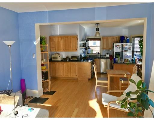 Casa Unifamiliar por un Alquiler en 218 Neponset Avenue Boston, Massachusetts 02122 Estados Unidos