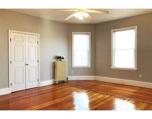 Частный односемейный дом для того Аренда на 27 Trident Avenue Winthrop, Массачусетс 02152 Соединенные Штаты