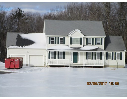Single Family Home for Sale at 306 Marshall Street Paxton, Massachusetts 01612 United States