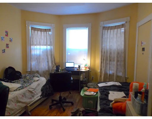 Additional photo for property listing at 17 burney  Boston, Massachusetts 02120 Estados Unidos