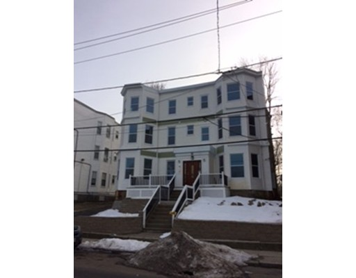 独户住宅 为 出租 在 75 Homestead 波士顿, 马萨诸塞州 02121 美国