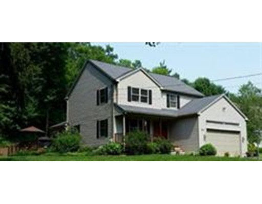 Maison unifamiliale pour l Vente à 30 Coleman Road Southampton, Massachusetts 01073 États-Unis