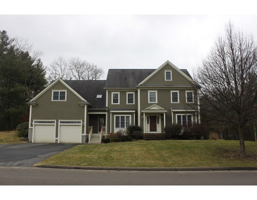 Casa Unifamiliar por un Venta en 21 Boyden Road Medfield, Massachusetts 02052 Estados Unidos