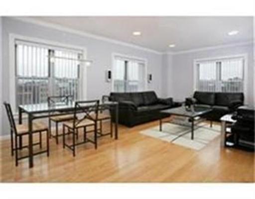独户住宅 为 出租 在 120 Mountfort Street 波士顿, 马萨诸塞州 02215 美国