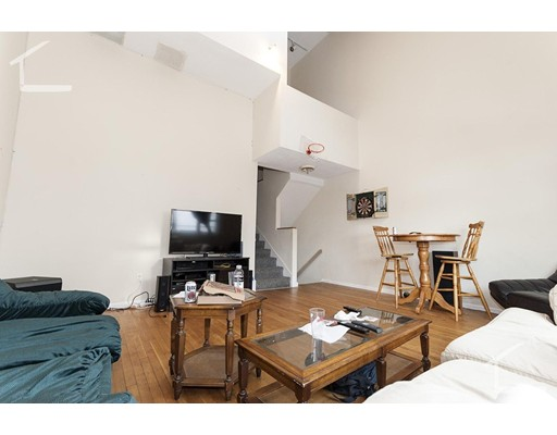 Additional photo for property listing at 135 Glenville Avenue  Boston, Massachusetts 02134 Estados Unidos