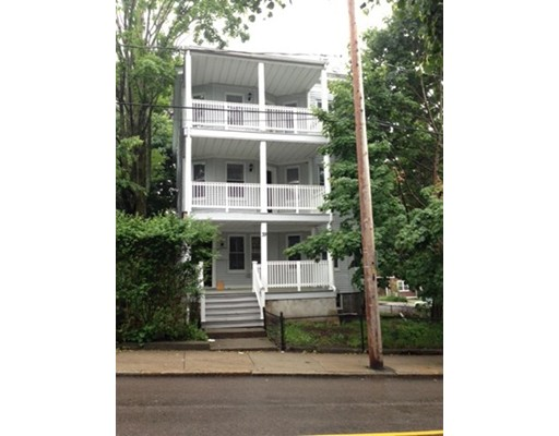 Casa Unifamiliar por un Alquiler en 39 Glen Road Boston, Massachusetts 02130 Estados Unidos