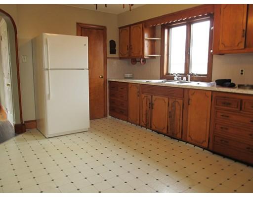 Maison unifamiliale pour l à louer à 327 Fountain Street Fall River, Massachusetts 02721 États-Unis
