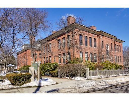 Condominio por un Venta en 1 School Street Arlington, Massachusetts 02476 Estados Unidos
