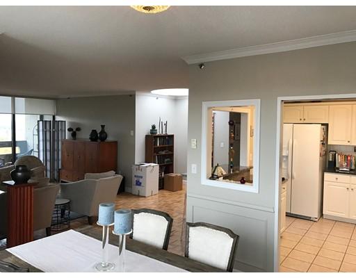 Casa Unifamiliar por un Alquiler en 1501 Beacon Street Brookline, Massachusetts 02446 Estados Unidos