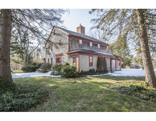 Additional photo for property listing at 735 Nate Whipple Hwy  Cumberland, Rhode Island 02864 Estados Unidos