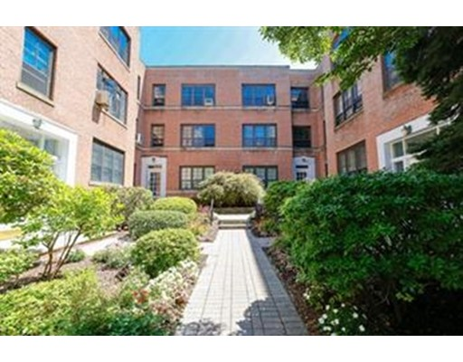 Additional photo for property listing at 341 Tappan Street  Brookline, Massachusetts 02445 United States