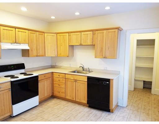 Additional photo for property listing at 14 Middle Street  Newton, Massachusetts 02458 Estados Unidos