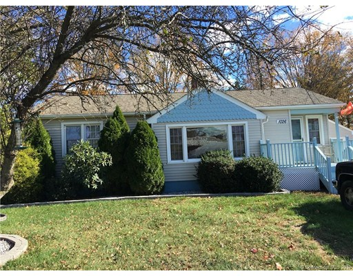 Single Family Home for Sale at 1026 East St. N Suffield, Connecticut 06078 United States