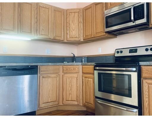 独户住宅 为 出租 在 1 Folsom Avenue 波士顿, 马萨诸塞州 02120 美国
