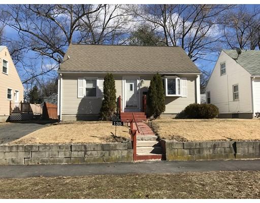 Maison unifamiliale pour l Vente à 135 Breckwood Blvd Springfield, Massachusetts 01109 États-Unis