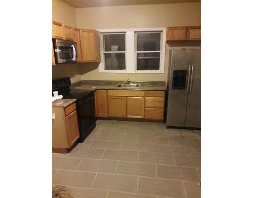Casa Unifamiliar por un Alquiler en 49 Kirtland Street Lynn, Massachusetts 01905 Estados Unidos
