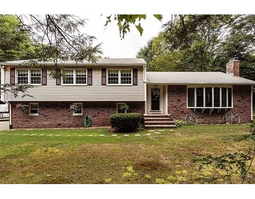12 Forest Ln, Manchester, MA 01944