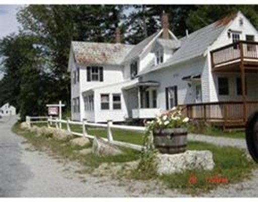 متعددة للعائلات الرئيسية للـ Sale في 843 Western Avenue Henniker, New Hampshire 03242 United States