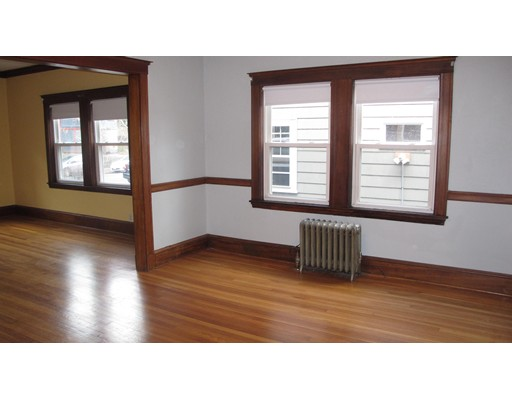 Additional photo for property listing at 1060 South Street  Boston, Massachusetts 02131 Estados Unidos