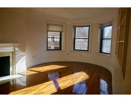 独户住宅 为 出租 在 1039 Massachusetts 坎布里奇, 马萨诸塞州 02138 美国